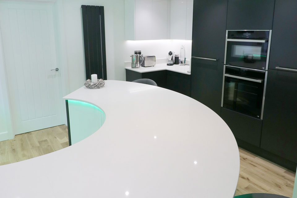 AG Quartz Blanco Snow (cabinetry by ASL Kitchens & Bathrooms)