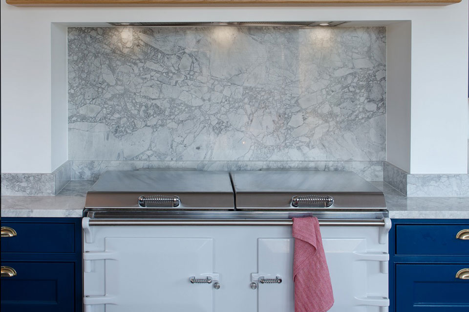 Bianca Eclipsia Quartzite (cabinetry by Zest Kitchens)