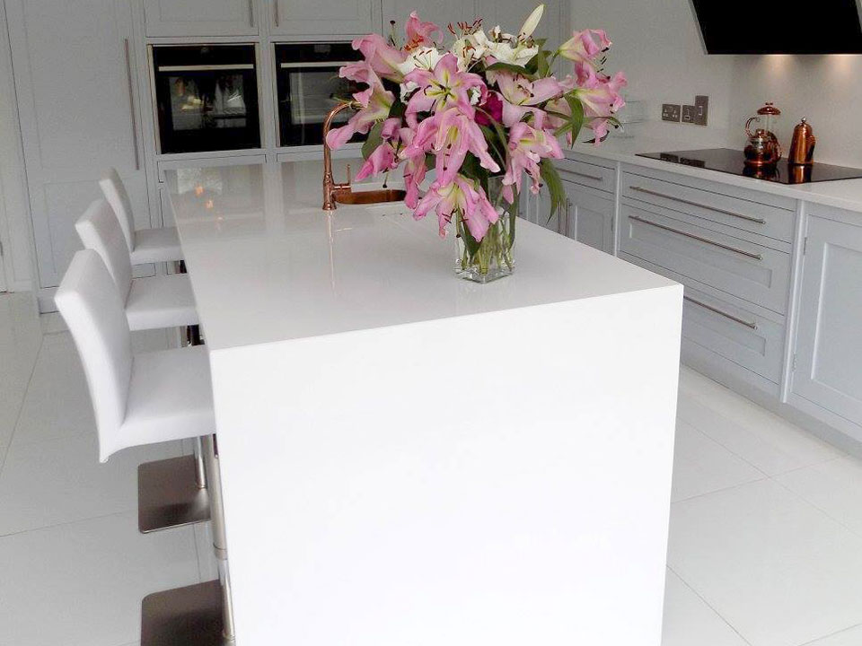 Silestone Blanco Zeus (cabinetry by Rose County Interiors)